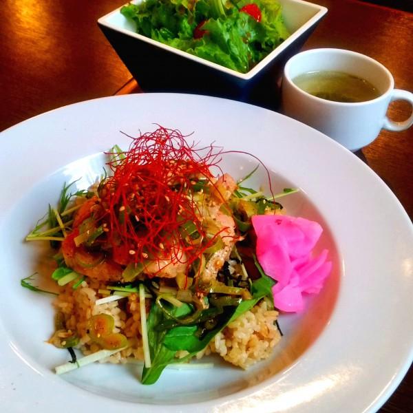 5/9(月)〜13(金)の平日ランチメニュー✨ 横浜 一軒家カフェ roku cafe
